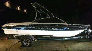 Wakeboat Bayliner 205se Olympic Edition