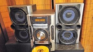 GREAT SONDING SONY STERIO SYSTEM 3 C/D AM/FM /GREAT FOR SHOP OR