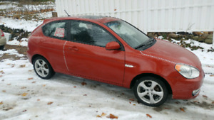 2010 Hyundai Accent 5 speed standard