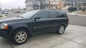 Volvo XC90 AWD FULLY LOADED!