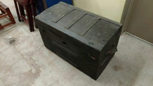 Super Old Trunk! Only $20