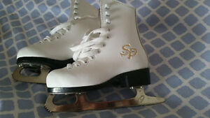 Toddler girls ccm skates size 11