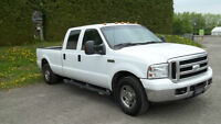 2006 Ford F-250 XT Crew Cab Gas Camionnette