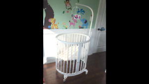 Stokke Sleepi Crib System in classic white