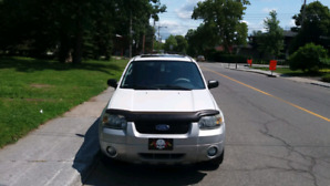 Ford escape XLT 4×4 2007