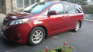 Safe, Reliable 2012 ALL WHEEL DRIVE Toyota SIenna van for sale.