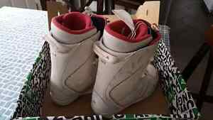 Women's size 10 snowboard boots Prince George British Columbia image 3