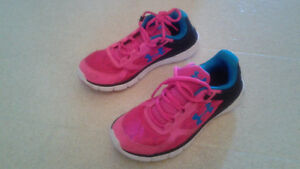 Women's under Armour running shoes