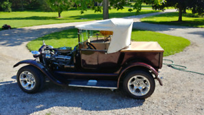 1926 Ford T bucket. Hot Rod pickup.. Chev 327 powered