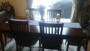 Dinning table 6 chairs excellent condition West Island Greater Montréal image 1