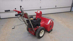 "$400 · 26"" 8HP	Snow Blower for sale"