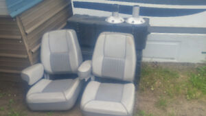 360 swivel boat seats  in great shape wainwright area