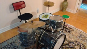 1960s Raven 6 piece Oyster Pearl Drum Kit