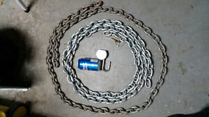 Heavy duty Lock and chains.