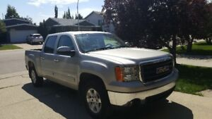 2008 GMC Sierra SLT for $9,800 (PRICE IS NEGOTIABLE)