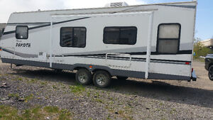 2006 Fleetwood Terry Dakota 31FT 290RLS With Power Slide Out