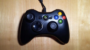 Xbox 360 Controller (Black, Wired)
