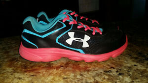 Girls Sneakers   UNDER ARMOUR