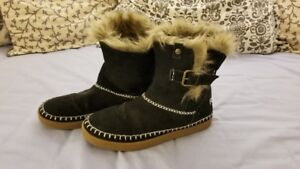 Black Roxy Faux Fur Lined Snow Boots, UK 5/Eur 38/USA 7/8