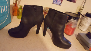 Brand New! Le Chateau Boots $25
