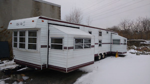 40' park model mobile home with 2 pop outs (PRICE REDUCED)