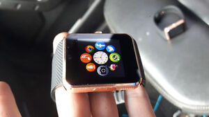 GOLD SMART WATCH ROGERS BLUTOOTH W/CAM APPS FACEBOOK GOOGLE