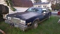 Cadillac eldorado biarritz 1984. 1500$ nego
