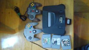 Nintendo 64 avec 3 jeux