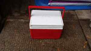 Coleman cooler lunch box.  Peterborough Peterborough Area image 3