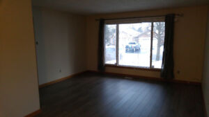 3 Bedroom apartment with garage East End Barrie