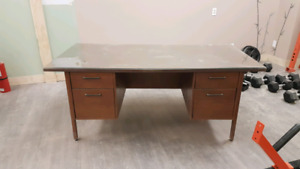 Large solid desk for the taking