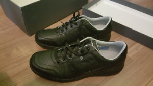 Selling BNIB Rockport Shoes Size 11 - Fits Size 10