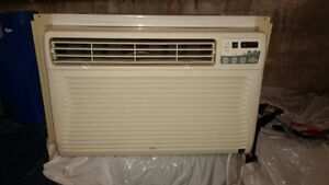 Air conditioner 15000 BTU-Kenmore with remote control