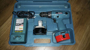 makita 6233d excellent condition full box with charger