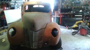 1940 Ford Tudor Deluxe Sedan for Custom or Restoration Build