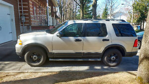 2003 Ford Explorer 7 places
