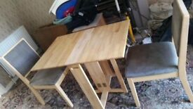 Indoor/Outdoor Solid Pine Foldaway Table & x2 Chairs