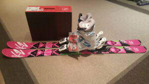 Brand new never use girl Ski package 124cm, 21.5cm (US2-3) boots