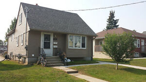 Looking for a fourth roommate for September 2017!! Kitchener / Waterloo Kitchener Area image 1