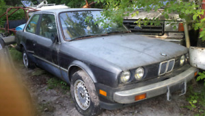2 BMW 318i