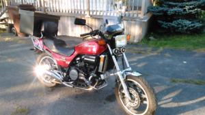 Moto Honda Sabre 1982 en excellent état