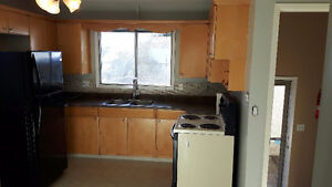 Large 2 bdrm upper level bungalow for rent Strathcona County Edmonton Area image 10
