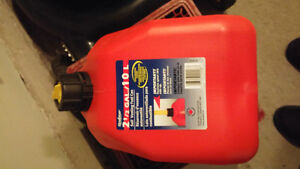 9.4 L RED  Plastic Gas Can (Incl. High Octane Fuel) Kingston Kingston Area image 1