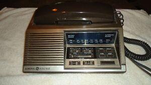 Téléphone vintage radio réveil