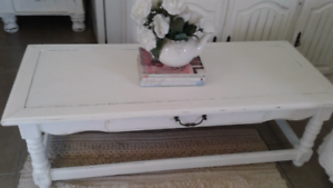 VINTAGE SHABBY CHIC COFFEE TABLE ALL SOLID WOOD
