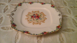 FINE BONE CHINA PLATE W/HANDLES MINUET, PARAGON
