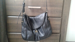 Reitmans black leather hand bag