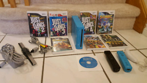 Limited Edition Blue Nintendo Wii with 6 games