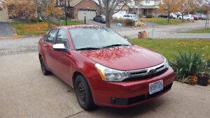 2010 Ford Focus se Sedan Low km and good on gas
