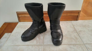 """BMW AllRound Motorcycle boots - New Sole gives 2"""" Heel Rise"""